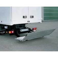Гидроборт Bar серии Falt, модель BC 1500 F2 грузоподъемностью 1500 кг для среднего и тяжелого класса транспортных средств.